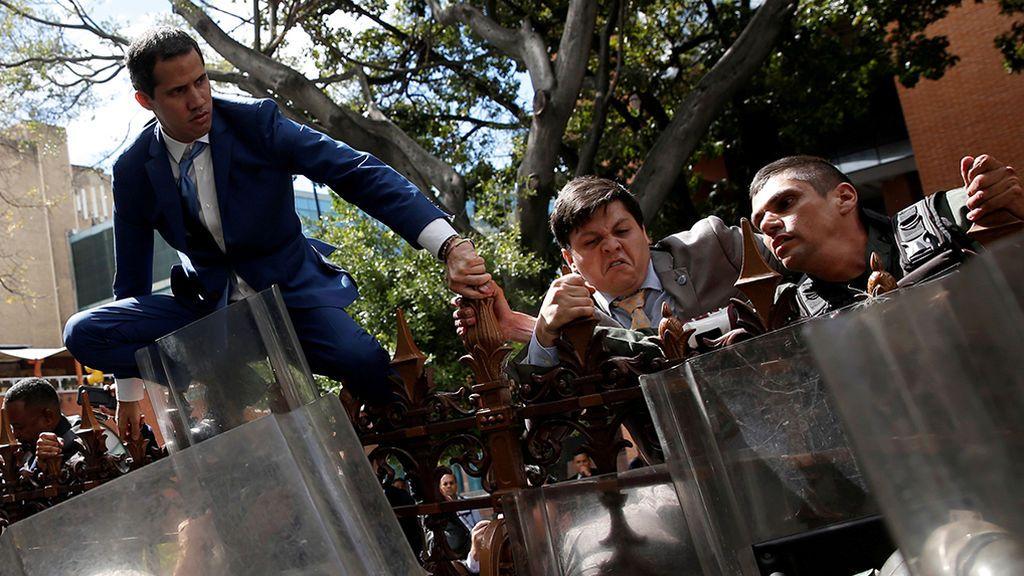 """El PSOE condena la """"obstrucción"""" de la Policía de Maduro a los diputados opositores de Venezuela"""