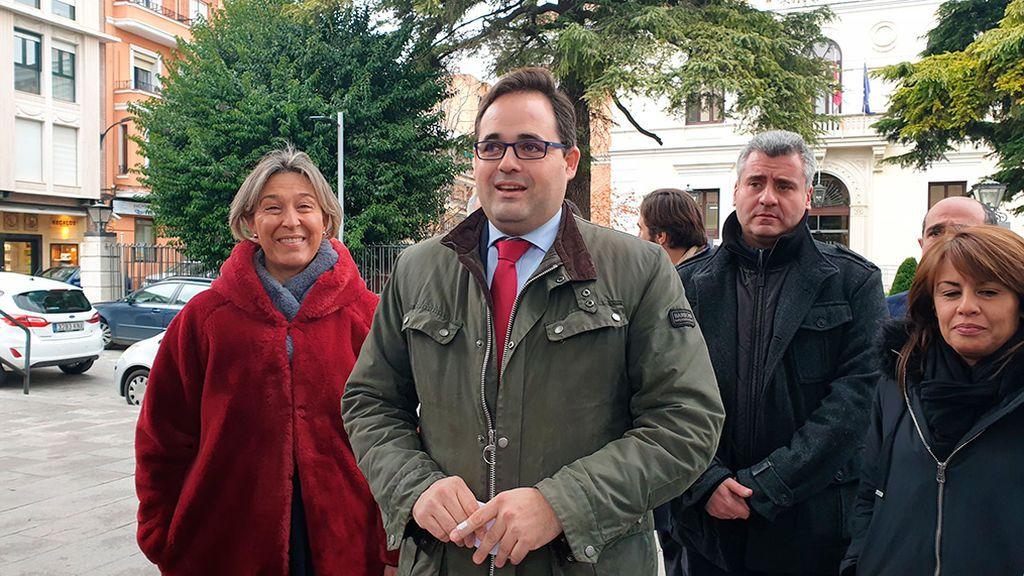 Concentraciones del PP para presionar a barones socialistas como Page o Fernández Vara
