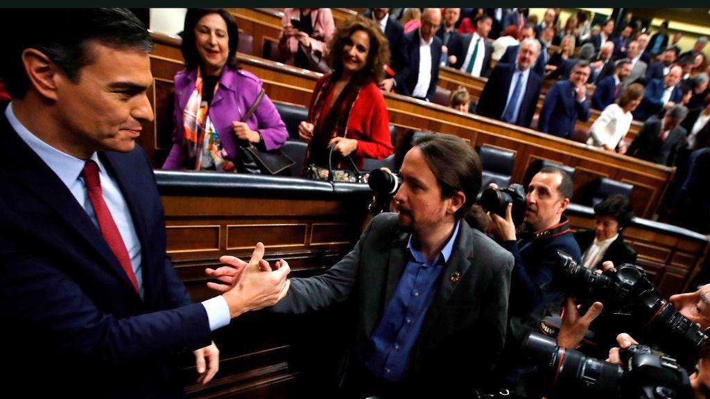 Sánchez saluda a Iglesias