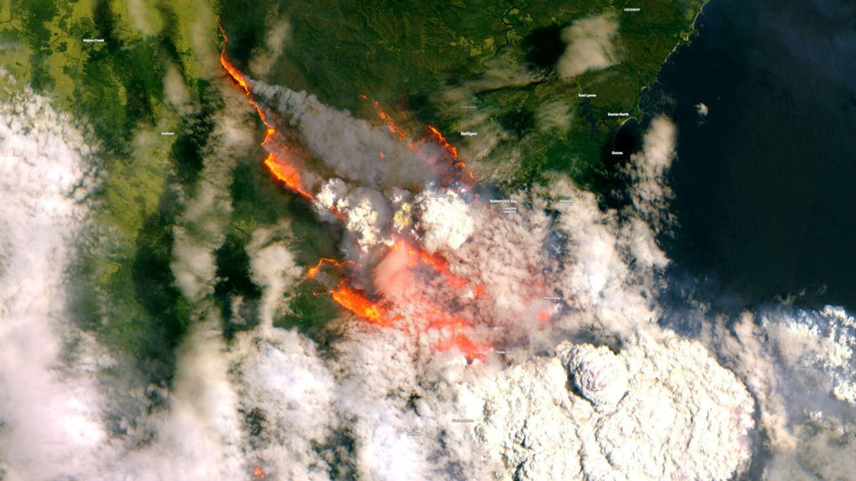 Tormentas ígneas: el fenómeno meteorológico con rayos que están provocando los incendios de Australia