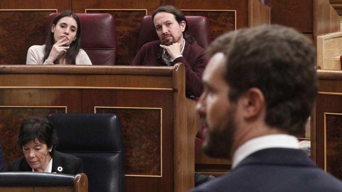 Casado cree que a la derecha no se le habría tolerado que la mujer de Aznar o Rajoy fueran ministras como será Montero