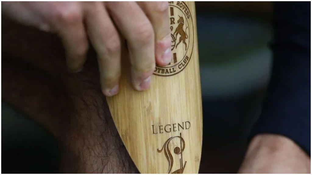 La medida 'eco' de un equipo inglés para luchar contra el plástico: llevarán espinilleras de bambú