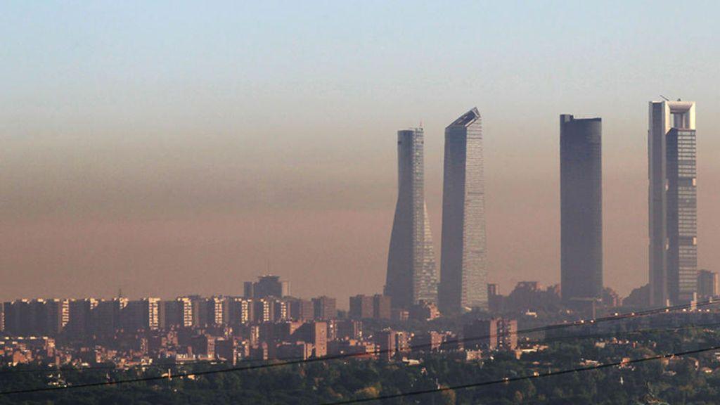 """Madrid sufre """"días críticos"""" de contaminación y Almeida estudia aplicar el protocolo de Carmena"""