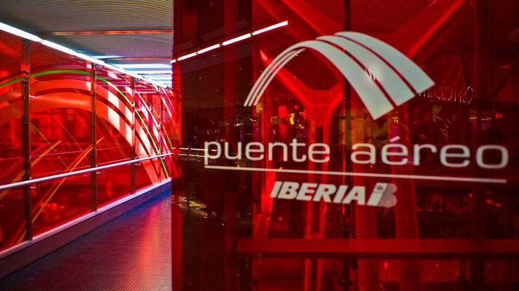 Colau pide al aeropuerto de El Prat que ponga fin al puente aéreo con Madrid