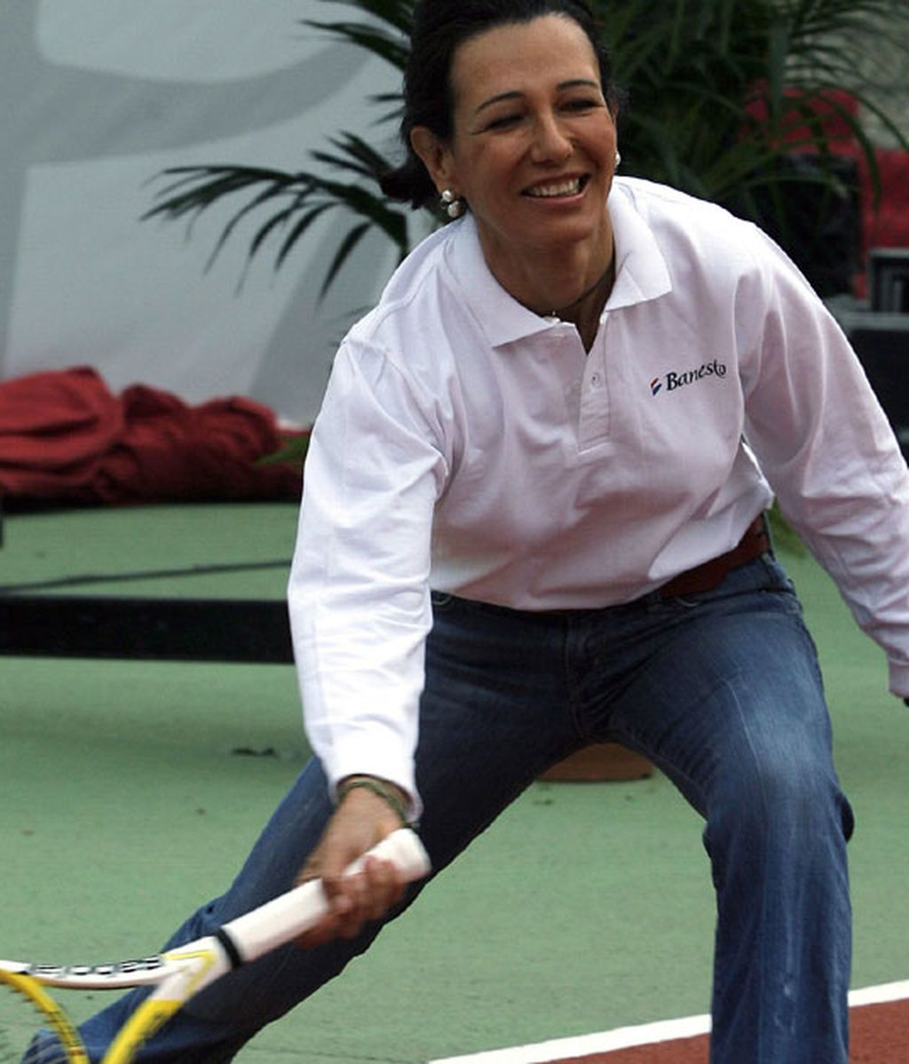 Ana Botín, jugando al tenis