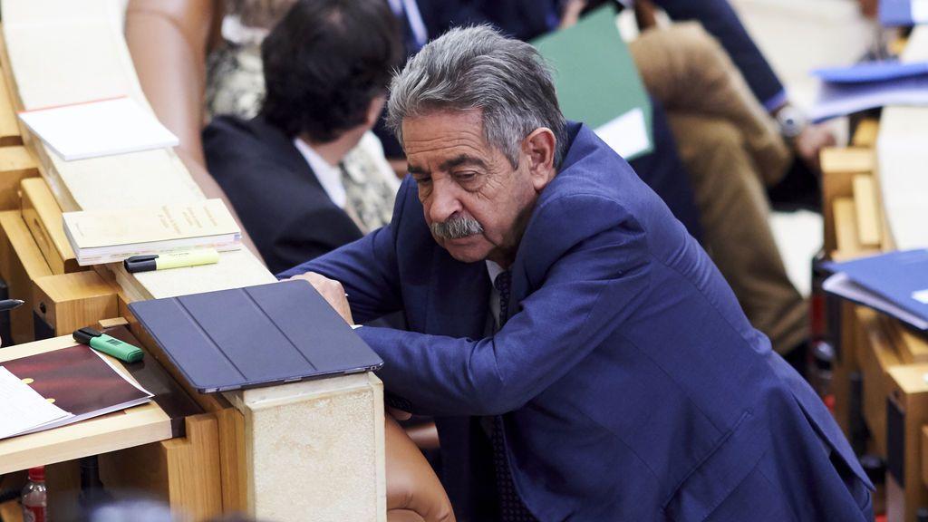 PSOE sigue en el Gobierno de Cantabria pese al no de PRC en la investidura