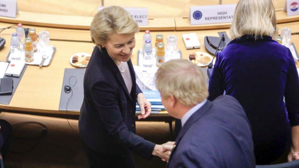 Bruselas frena las prisas de Londres para cerrar el Brexit