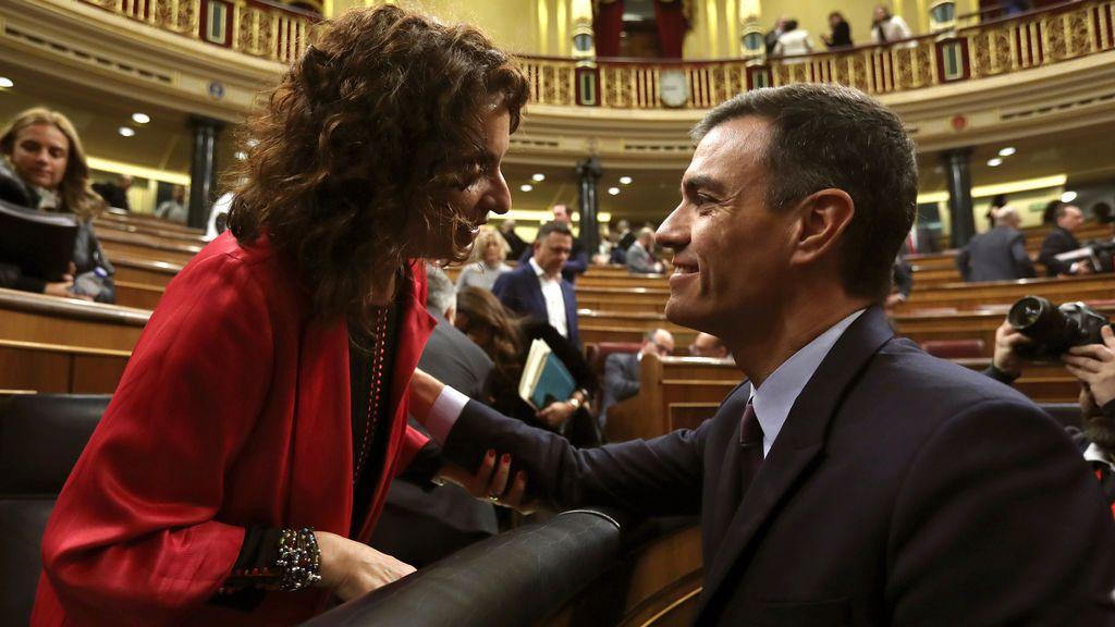 Pedro Sánchez con María Jesús Montero