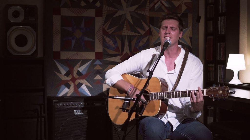 'Drown', la canción más personal de Carlos Elsel