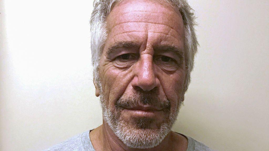 Eliminan el vídeo del exterior de la celda de Epstein en su primer intento de suicidio