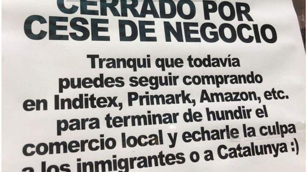 El cartel que anuncia el cierre de una tienda de música de Albacete