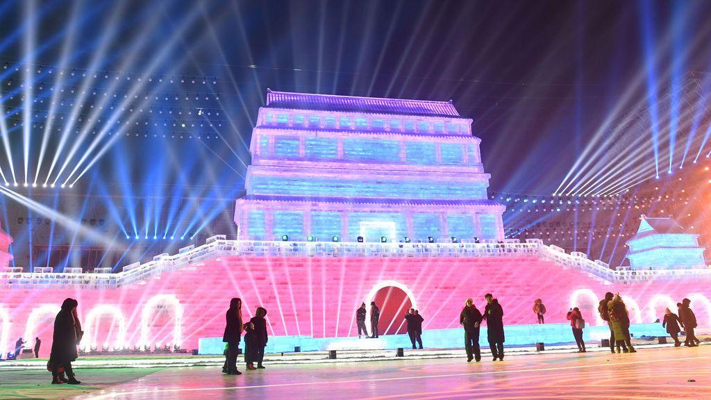 Color, fantasía y palacios de hielo gigantes: el festival invernal de China a 15ºC bajo cero