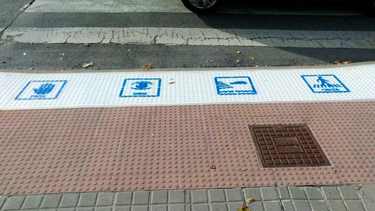 Mira, para, coche parado, cruza: pasos de cebra para niños autistas en Colmenar Viejo