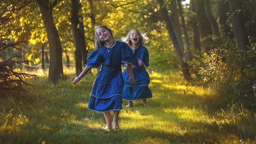 Los gemelos siguen compartiendo la misma flora intestinal años después de nacer