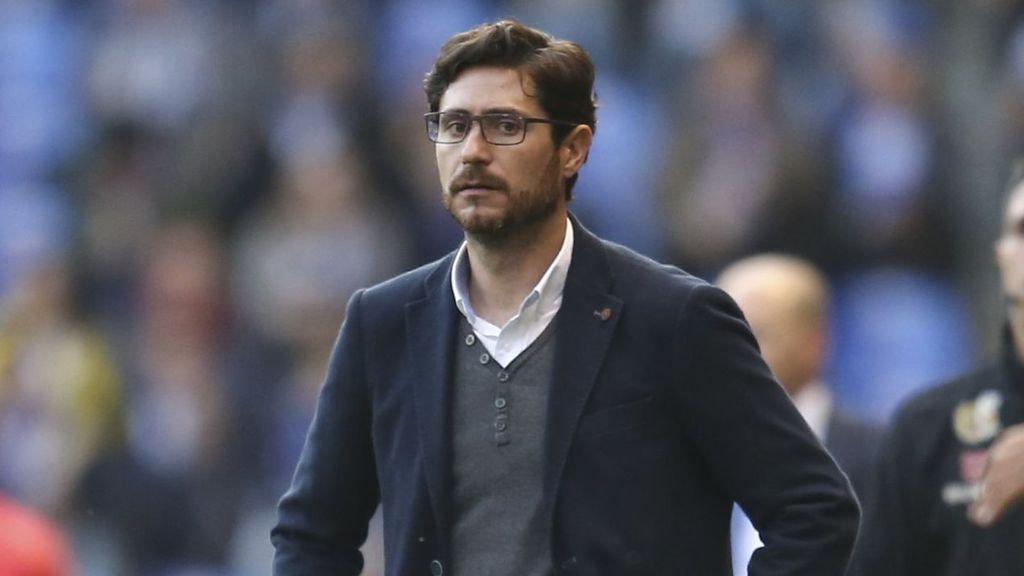 """Víctor Sánchez del Amo deja de ser entrenador del Málaga tras su chantaje sexual: """"No es por el vídeo"""""""