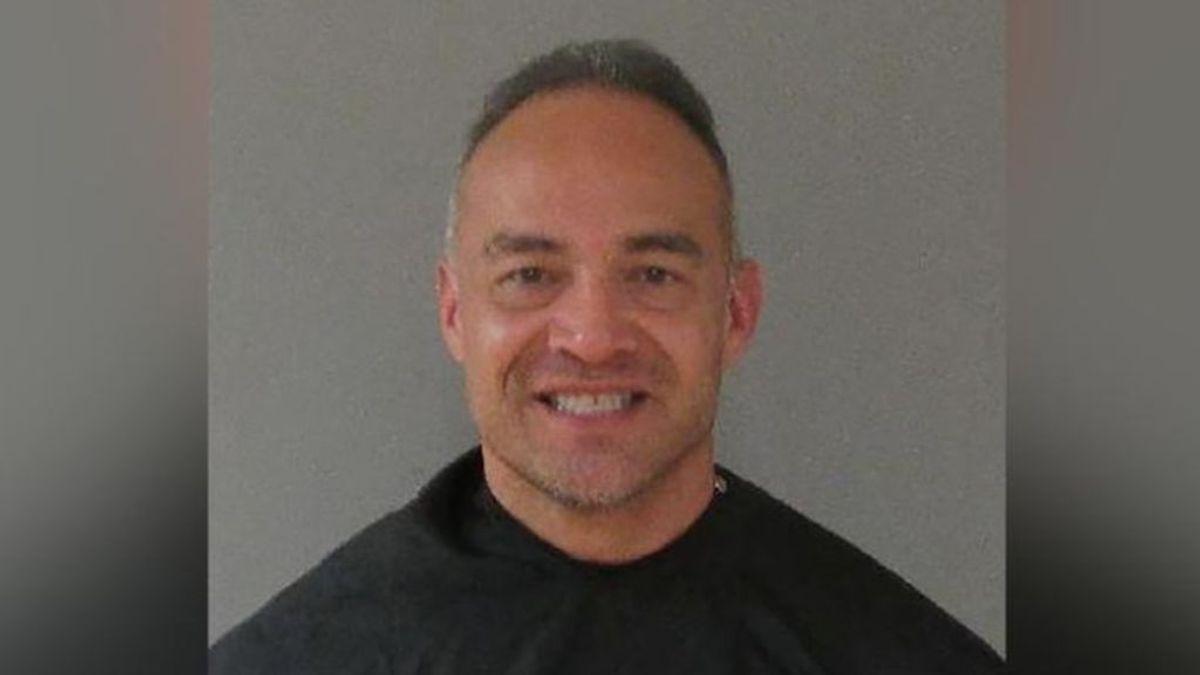 Un profesor de secundaria, arrestado por usar una llave de judo para sacar a un alumno que molestaba en clase