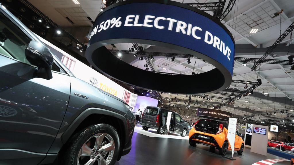 Etiqueta ECO de la DGT, un coladero que permite híbridos que consumen más que un diésel o gasolina antiguo