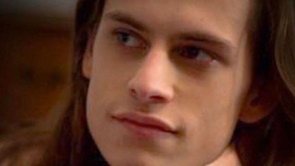 Muere Harry Hains, actor de American Horror Story e hijo de Diana, de la serie V