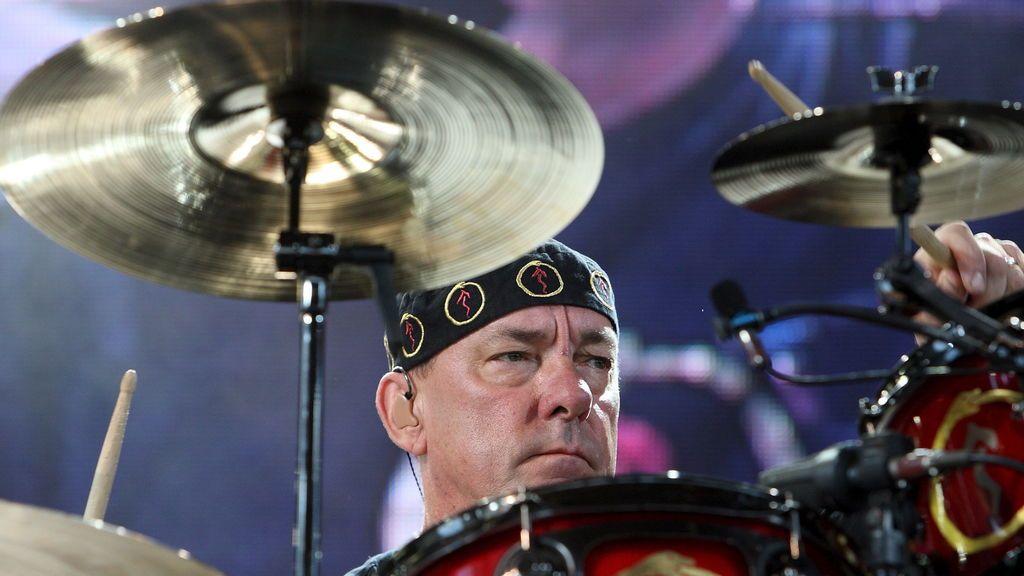 Muere Neil Peart, legendario batería de Rush, a los 67 años