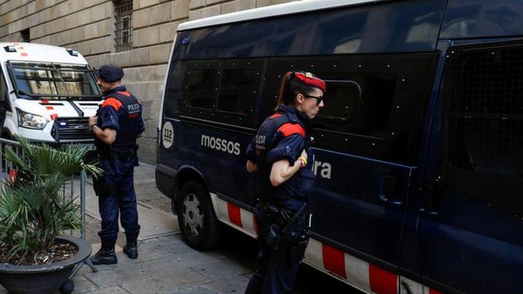 """Detienen a un joven de 24 años por una agresión sexual con """"tocamientos violentos"""" y tres abusos en Lleida"""