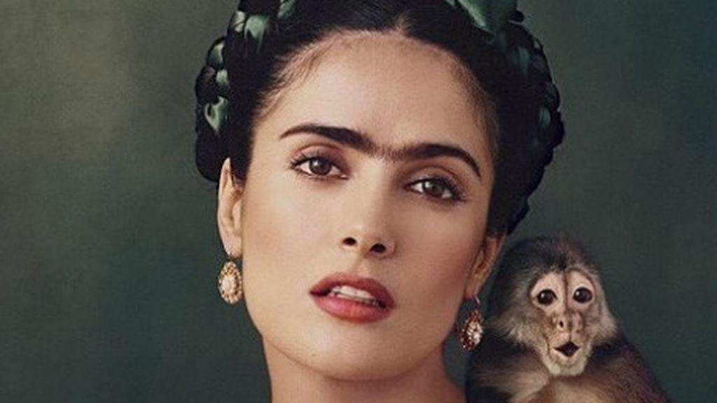 """Salma Hayek revela que fue """"gravemente herida"""" por un mono durante el rodaje de 'Frida'"""