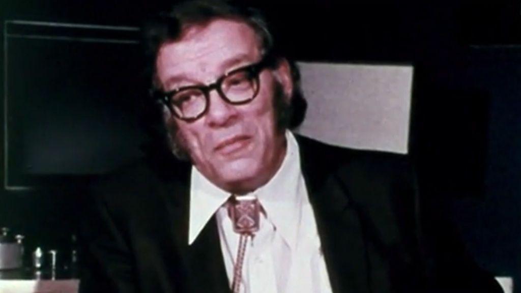 Un siglo después del nacimiento  de Isaac Asimov, sus predicciones siguen vigentes