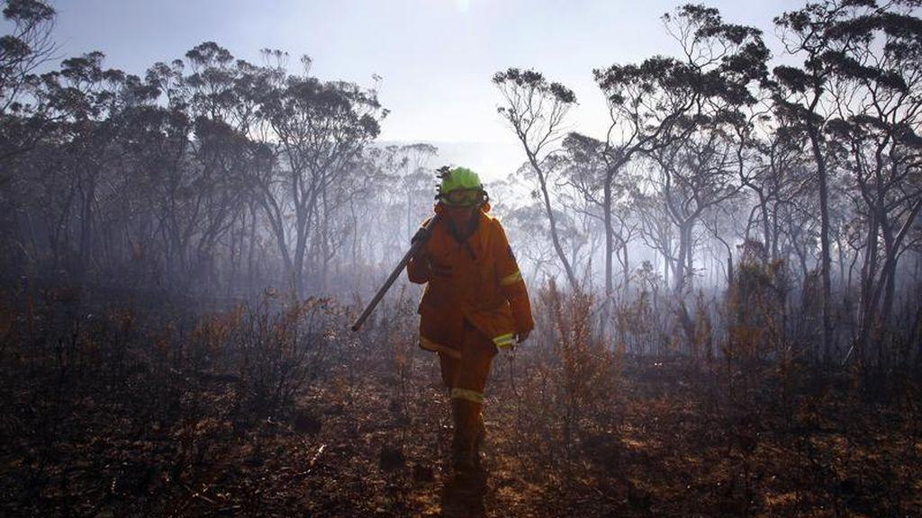 Muere un bombero durante la extinción de los incendios en Australia
