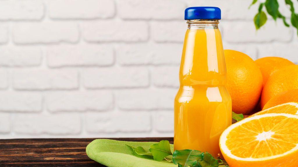 Máquinas de zumo en el 'súper': La OCU analiza si se pierde la vitamina C de la naranja