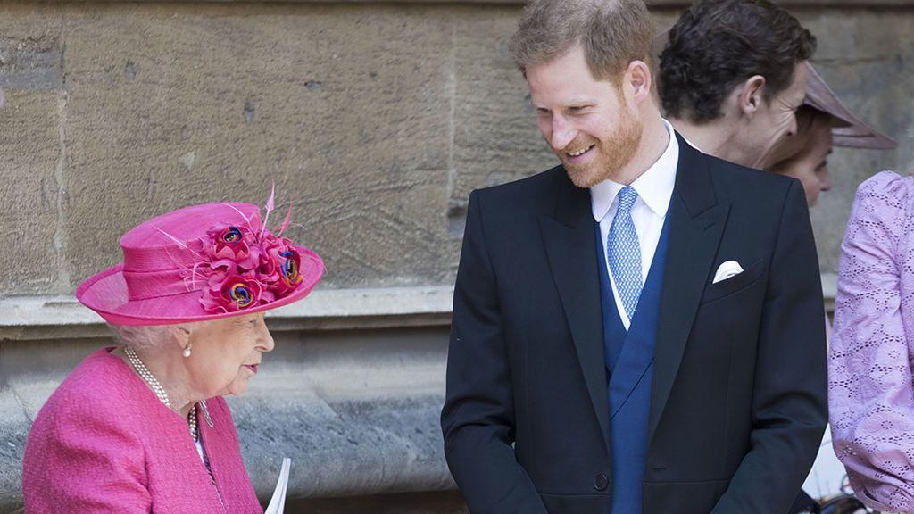 """Isabel II concede un """"periodo de transición"""" a Harry y Meghan: """"Todavía quedan cosas por hacer"""""""