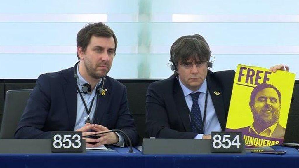 Puigdemont la lía en Bruselas al pedir la liberación de Junqueras