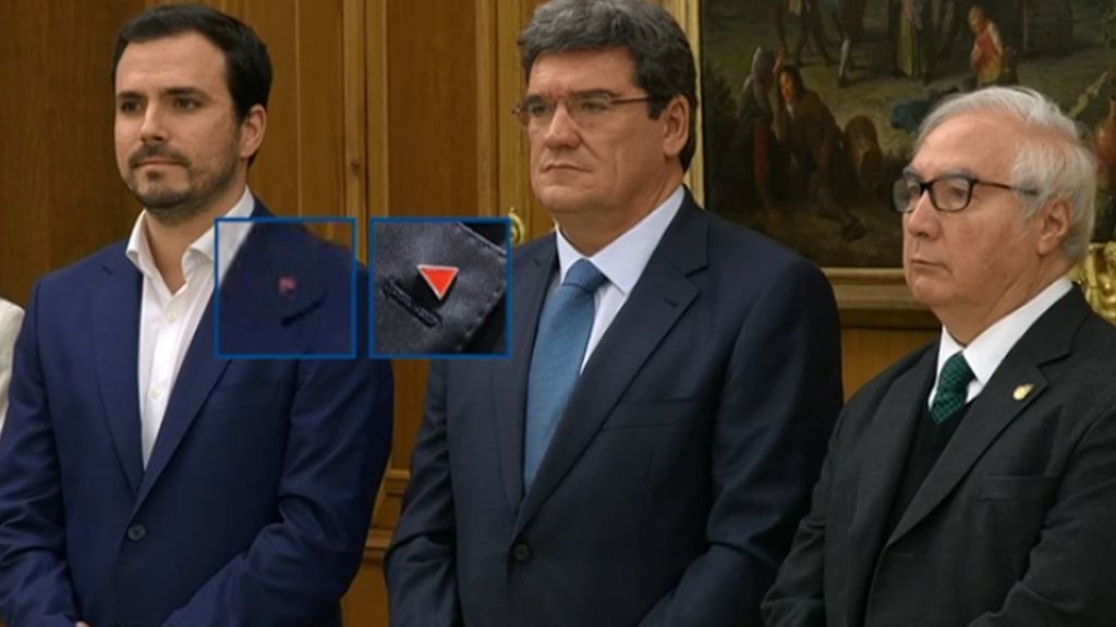 El primer Gobierno de coalición desde el 78 promete ante el rey