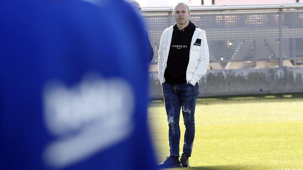 Andrés Iniesta aparece por sorpresa en el entrenamiento del Barça en plena 'Crisis Valverde'