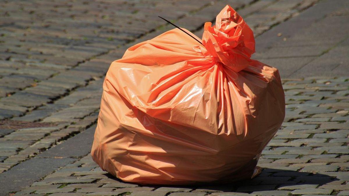 Encuentran restos humanos dentro de una bolsa de basura en Dublín