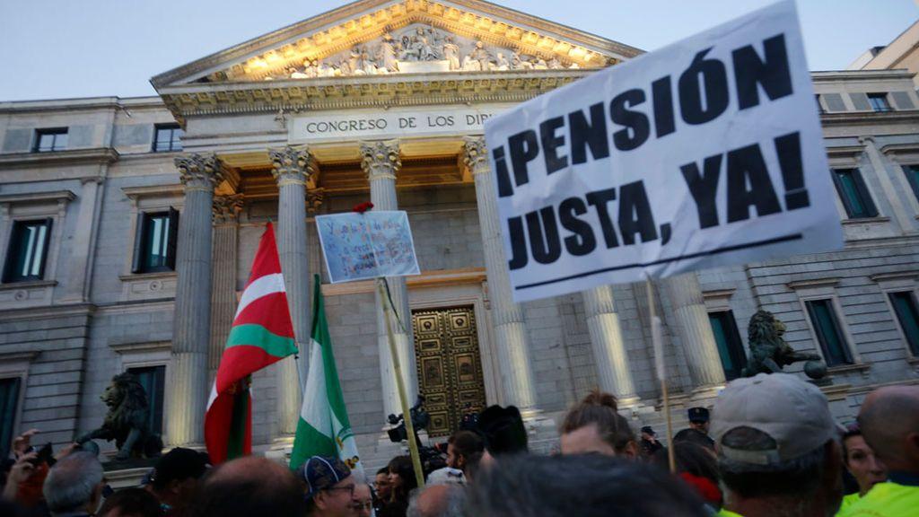 Las pensiones suben un 0,9%: qué supone para el bolsillo, cuándo se aplica y otras preguntas clave