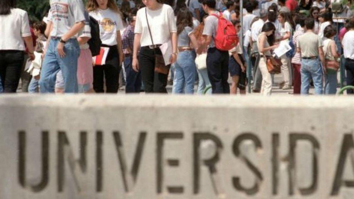 Dos años de cárcel a una madre y su hija por agredir a un profesor de Universidad de Vigo