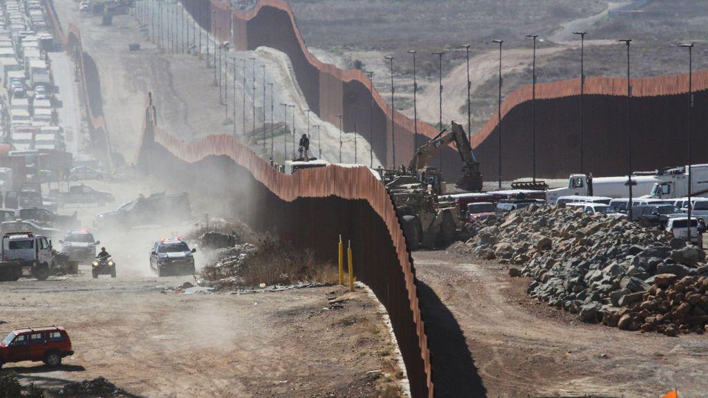 """Donald Trump desviará 7.200 millones del Pentágono para terminar el """"muro"""""""