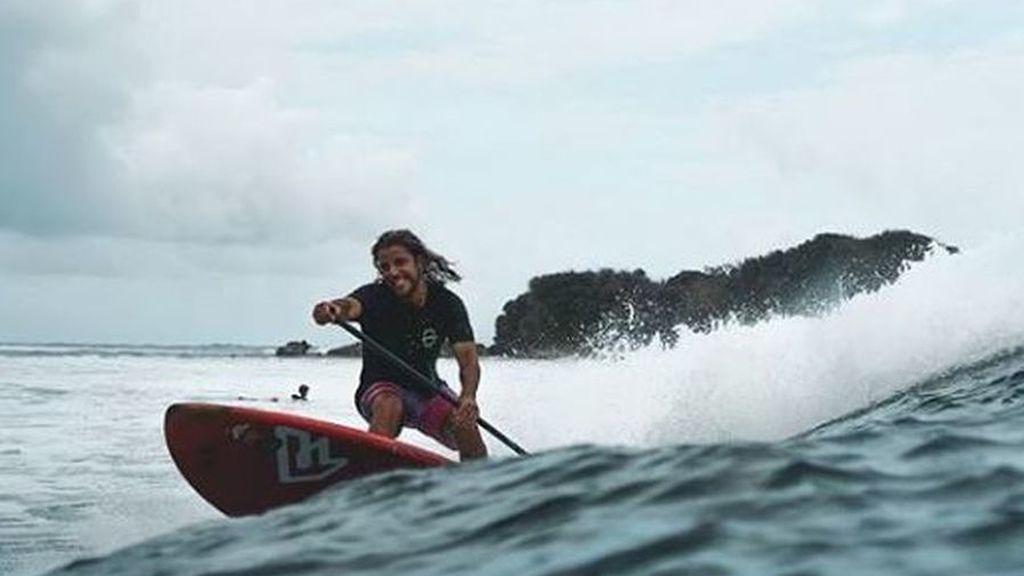 """""""Estamos orgullosos de ti"""": los amigos de Diego Bello, el surfista coruñés asesinado en Filipinas, le dedican una emotiva carta de despedida"""