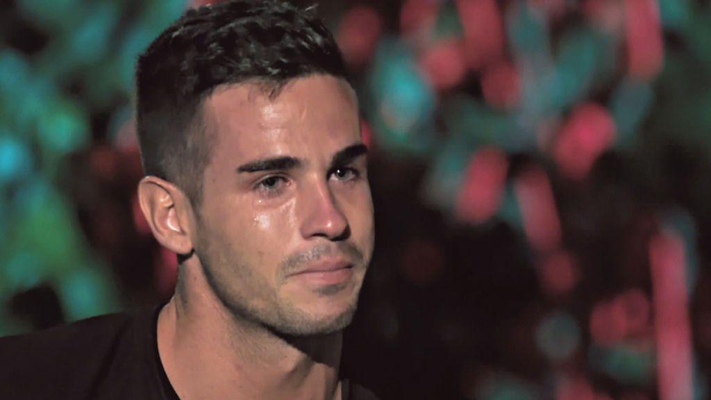 """Álex despide a Melani y no puede evitar las lágrimas al ver lo que está haciendo Fiama: """"Tengo miedo a perderla"""""""