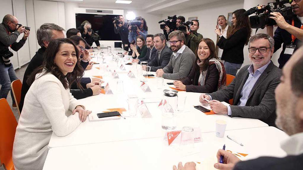 C`s nombra nuevos portavoces en cuatro comunidades y fulmina dos líderes críticos en Asturias y Castilla-LaMancha