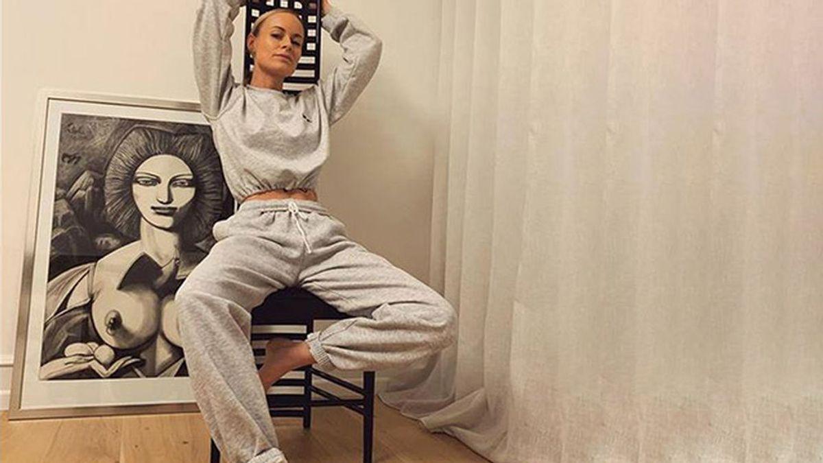 El chándal gris de algodón, la tendencia inesperada que une a las prescriptoras de moda