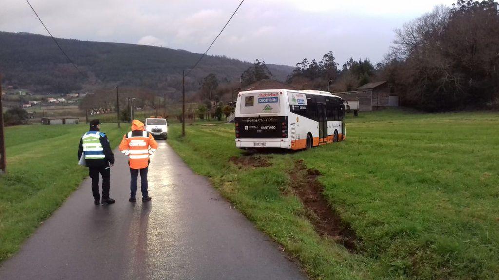 La rápida reacción de una monitora evita un accidente de un autobús escolar tras desmayarse el conductor