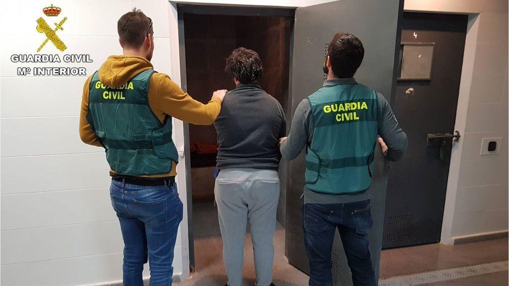 Detienen a un joven en Valencia acusado de abusar de una menor a la que pedía fotos y vídeos sexuales