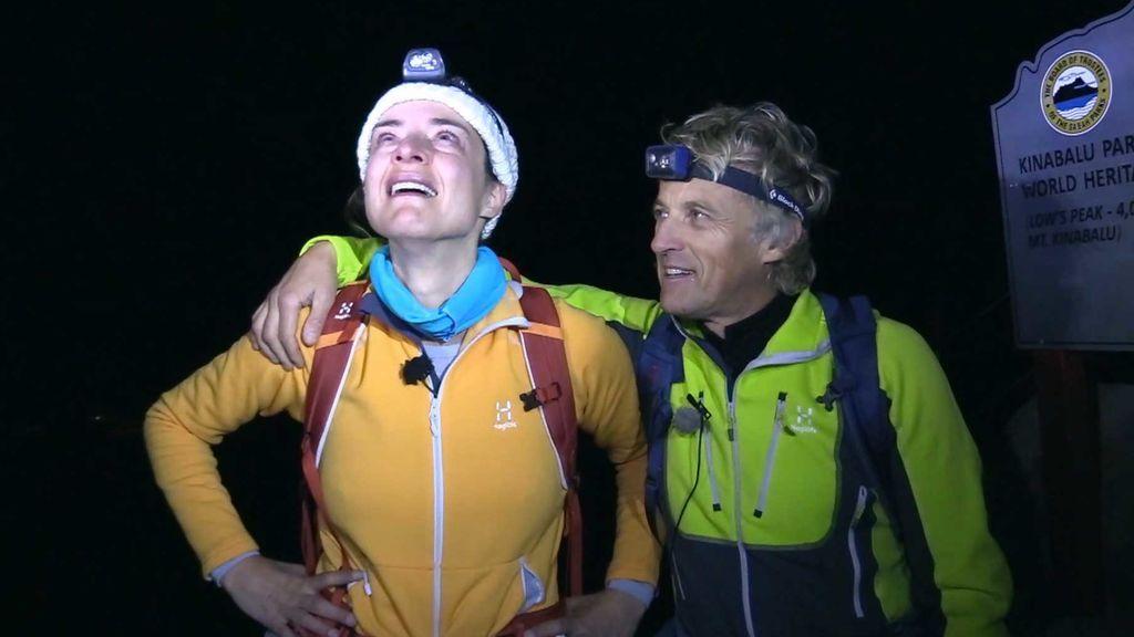"""Sandra Barneda llega a la cima del Monte Kinabalu: """"He pensado en Nagore y en mis padres"""""""