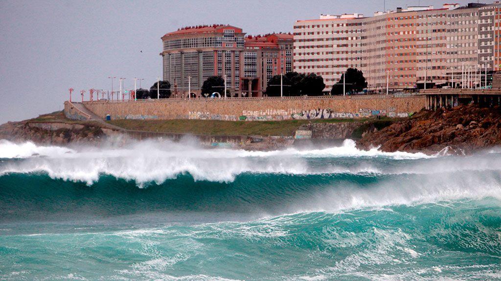 La borrasca 'Brendan' pone en alerta por fuertes vientos y oleaje el norte de España