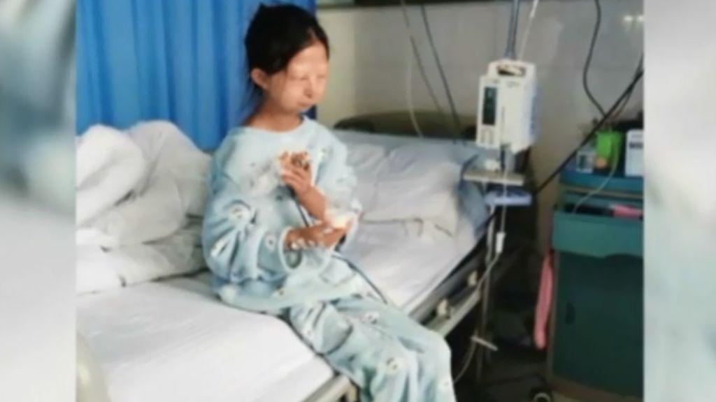 Muere la niña que solo comía arroz para ayudar a su hermano enfermo