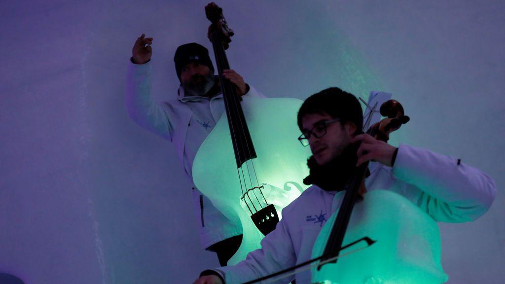Concierto en un glaciar: así suenan más de 10 instrumentos de hielo a la vez