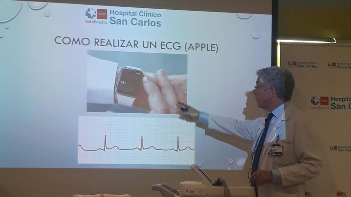 Ya es posible hacer electrocardiogramas con un 'Apple Watch' gracias a un cardiólogo español