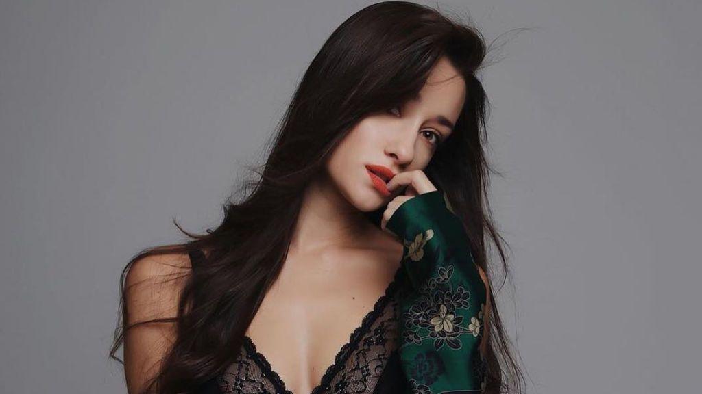 En lencería y sin ropa interior: los posados más sexys de Adara Molinero