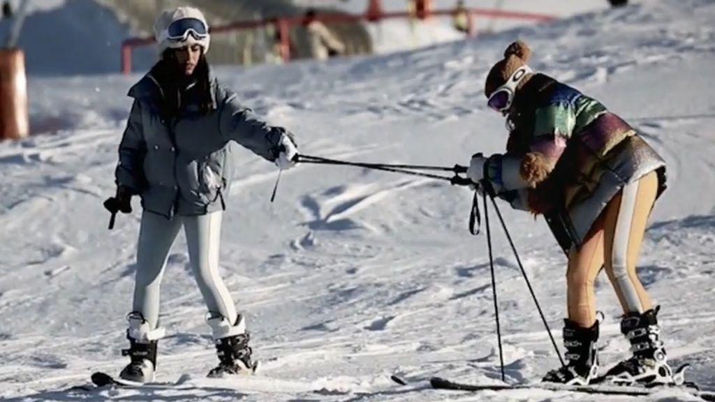 Las influencers no saben esquiar: la realidad que hay detrás de sus posados en la nieve