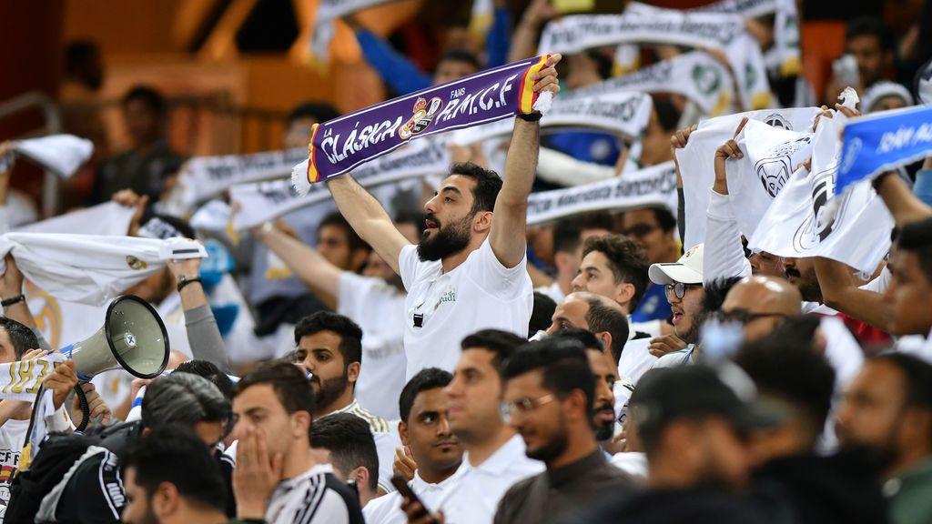 Las mujeres vuelven a estar separadas en un estadio para ver un partido en Arabia Saudí